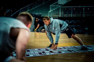 Ivars Ikstens- treneris nacionālajās basketbola izlasēs.